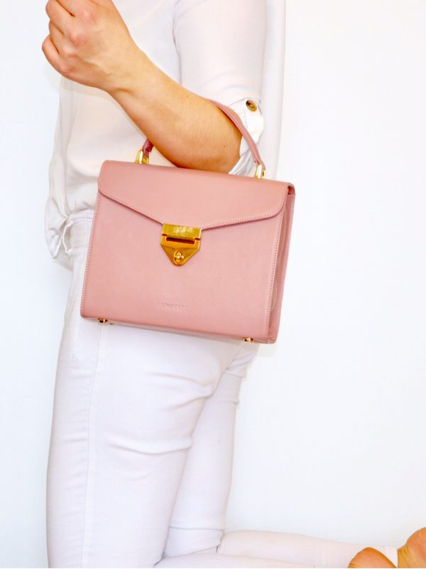 armadillo-leather-handbags-totes-wallets-clutches-backpack-small-leather-goods-accessories-office-travel-gifts-in-canada-img-slide-handbag-kate-spade-chain-new-6