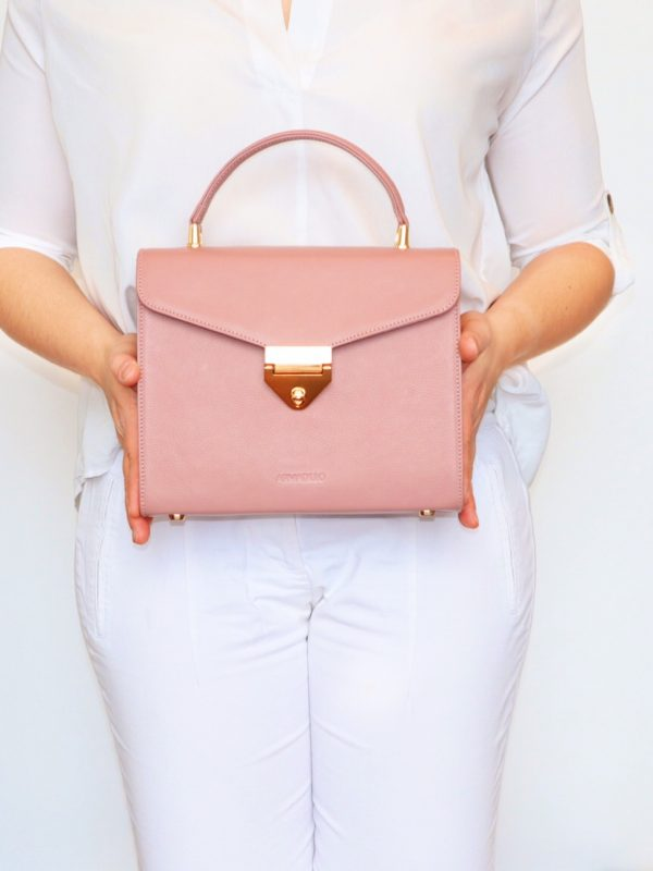 armadillo-leather-handbags-totes-wallets-clutches-backpack-small-leather-goods-accessories-office-travel-gifts-in-canada-img-slide-handbag-kate-spade-chain-new-5