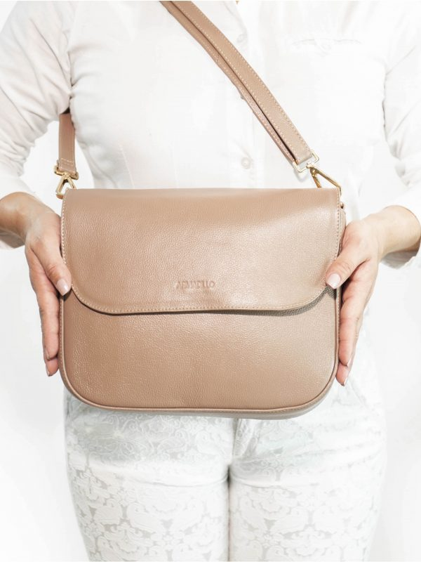 armadillo-leather-handbags-totes-wallets-clutches-backpack-small-leather-goods-accessories-office-travel-gifts-in-canada-nona-front-almond-tan