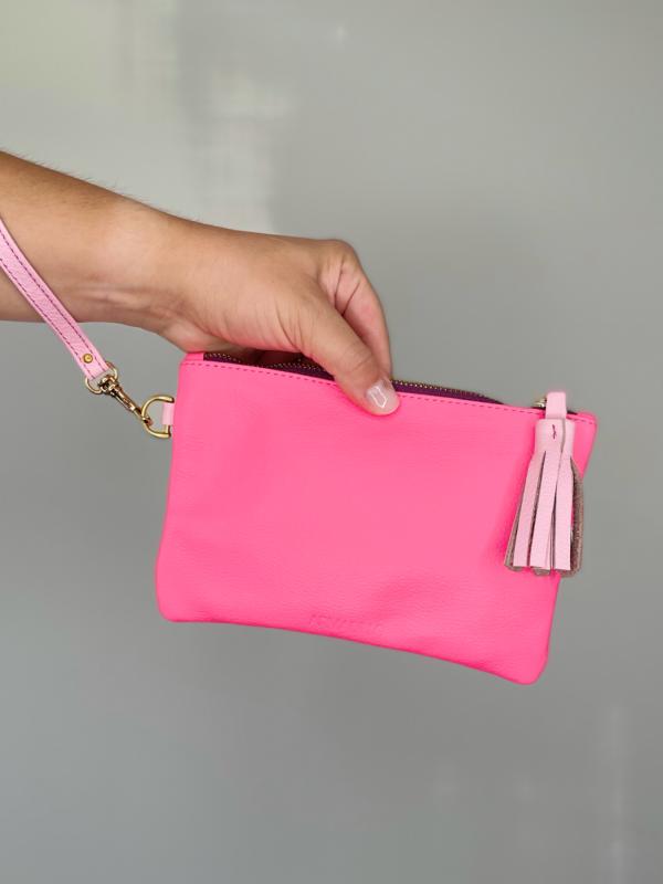zipper_pouch_tassel_leather_wristlet_pink_01