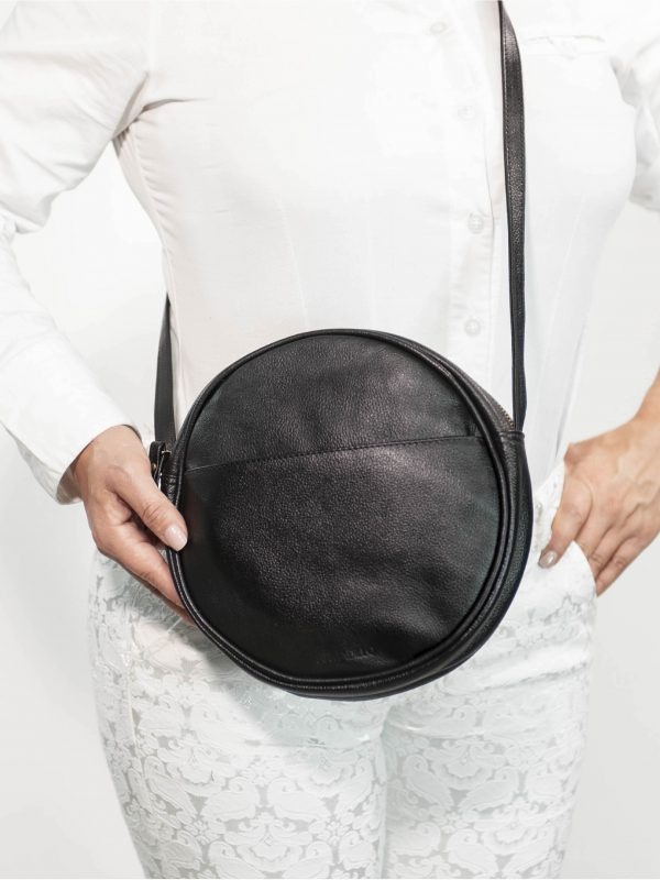 armadillo-leather-handbags-totes-wallets-clutches-backpack-small-leather-goods-accessories-office-travel-gifts-in-canada-circle-purse-black