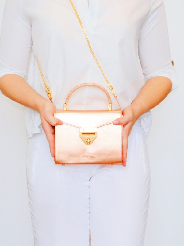 armadillo-leather-handbags-totes-wallets-clutches-backpack-small-leather-goods-accessories-office-travel-gifts-in-canada-img-slide-handbag-kate-spade-chain-new-16