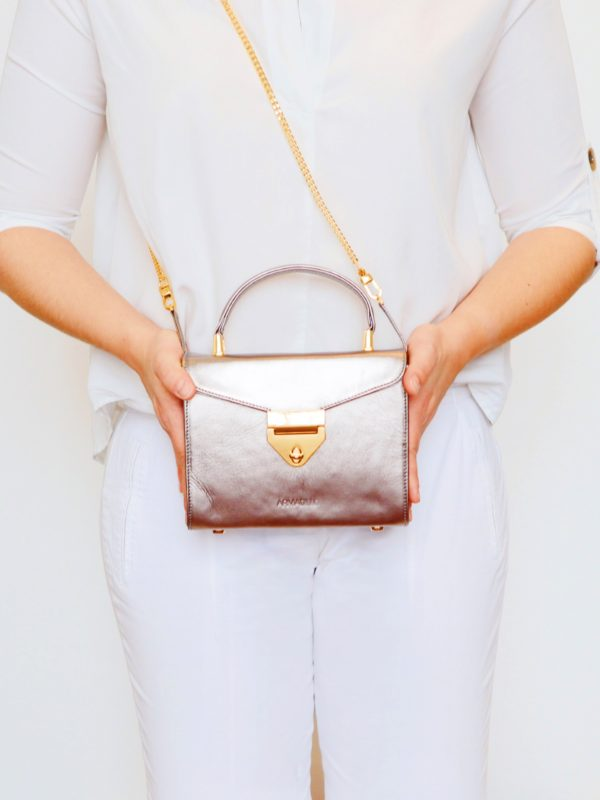 armadillo-leather-handbags-totes-wallets-clutches-backpack-small-leather-goods-accessories-office-travel-gifts-in-canada-img-slide-handbag-kate-spade-chain-new-14