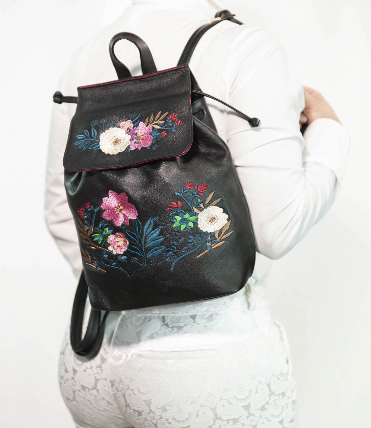 armadillo-leather-handbags-totes-wallets-clutches-backpack-small-leather-goods-accessories-office-travel-gifts-in-canada-black-backpack-embroidery-flowers