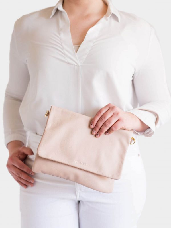 armadillo-leather-handbags-totes-wallets-clutches-backpack-small-leather-goods-accessories-office-travel-gifts-in-canada-slide-crossbody-clutch-bags-nude-wristlet