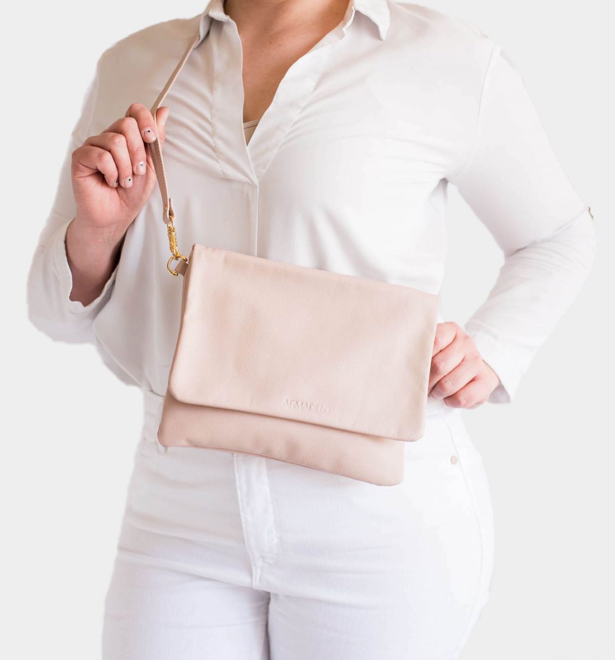 armadillo-leather-handbags-totes-wallets-clutches-backpack-small-leather-goods-accessories-office-travel-gifts-in-canada-slide-crossbody-clutch-bags-nude