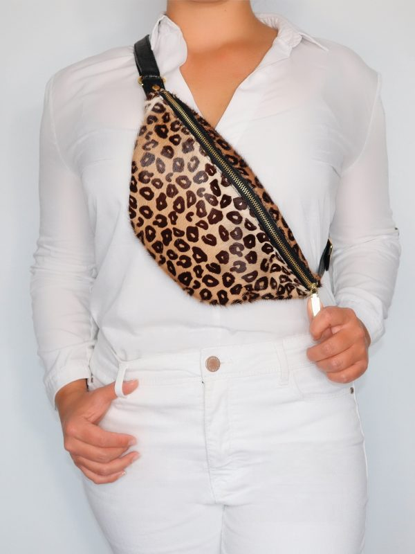 armadillo-leather-handbags-totes-wallets-clutches-backpack-small-leather-goods-accessories-office-travel-gifts-in-canada-crossbody-purse-animal-print-cheetah-fanny-pack-01