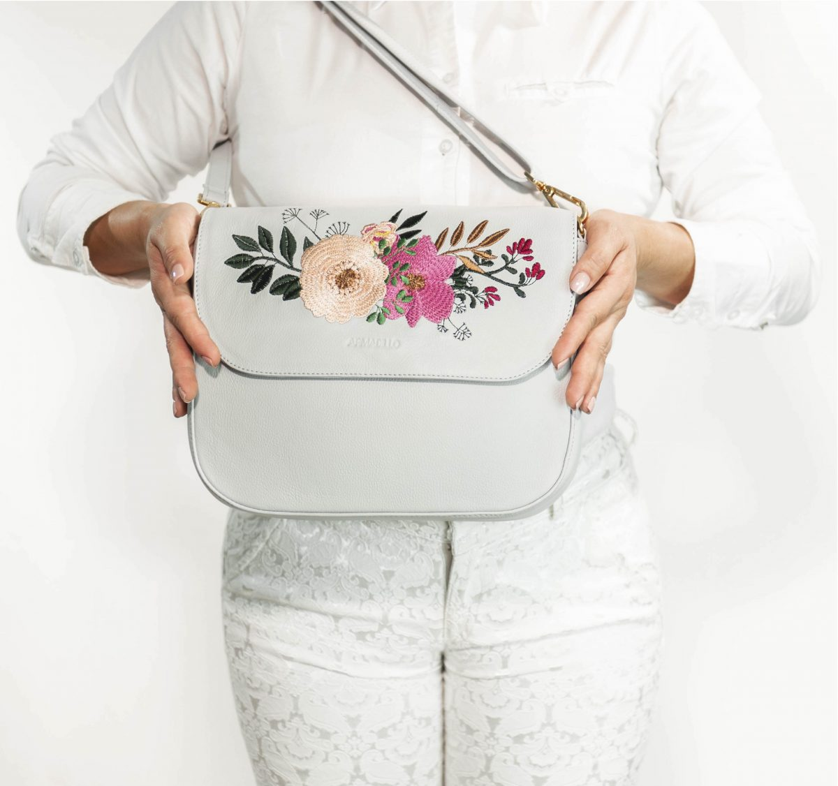 armadillo-leather-handbags-totes-wallets-clutches-backpack-small-leather-goods-accessories-office-travel-gifts-in-canada-nona-embroidery-flowers-grey-gray