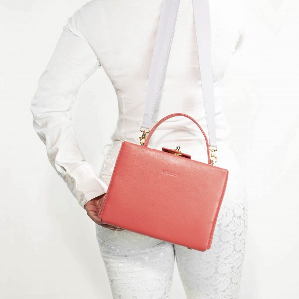 armadillo-leather-handbags-totes-wallets-clutches-backpack-small-leather-goods-accessories-office-travel-gifts-in-canada-img-slide-handbag-kate-spade-purse-boxbag-box-bag-coral-lillac