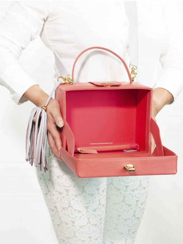 armadillo-leather-handbags-totes-wallets-clutches-backpack-small-leather-goods-accessories-office-travel-gifts-in-canada-img-slide-handbag-kate-spade-purse-boxbag-box-bag-coral-lillac-04