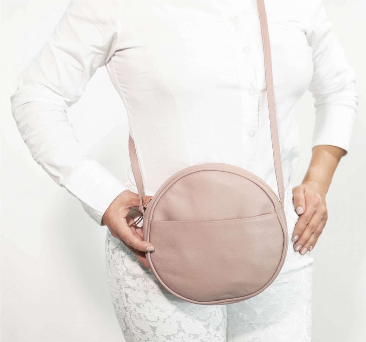 armadillo-leather-handbags-totes-wallets-clutches-backpack-small-leather-goods-accessories-office-travel-gifts-in-canada-circle-purse-pink-mauve-dusty-pink-rose