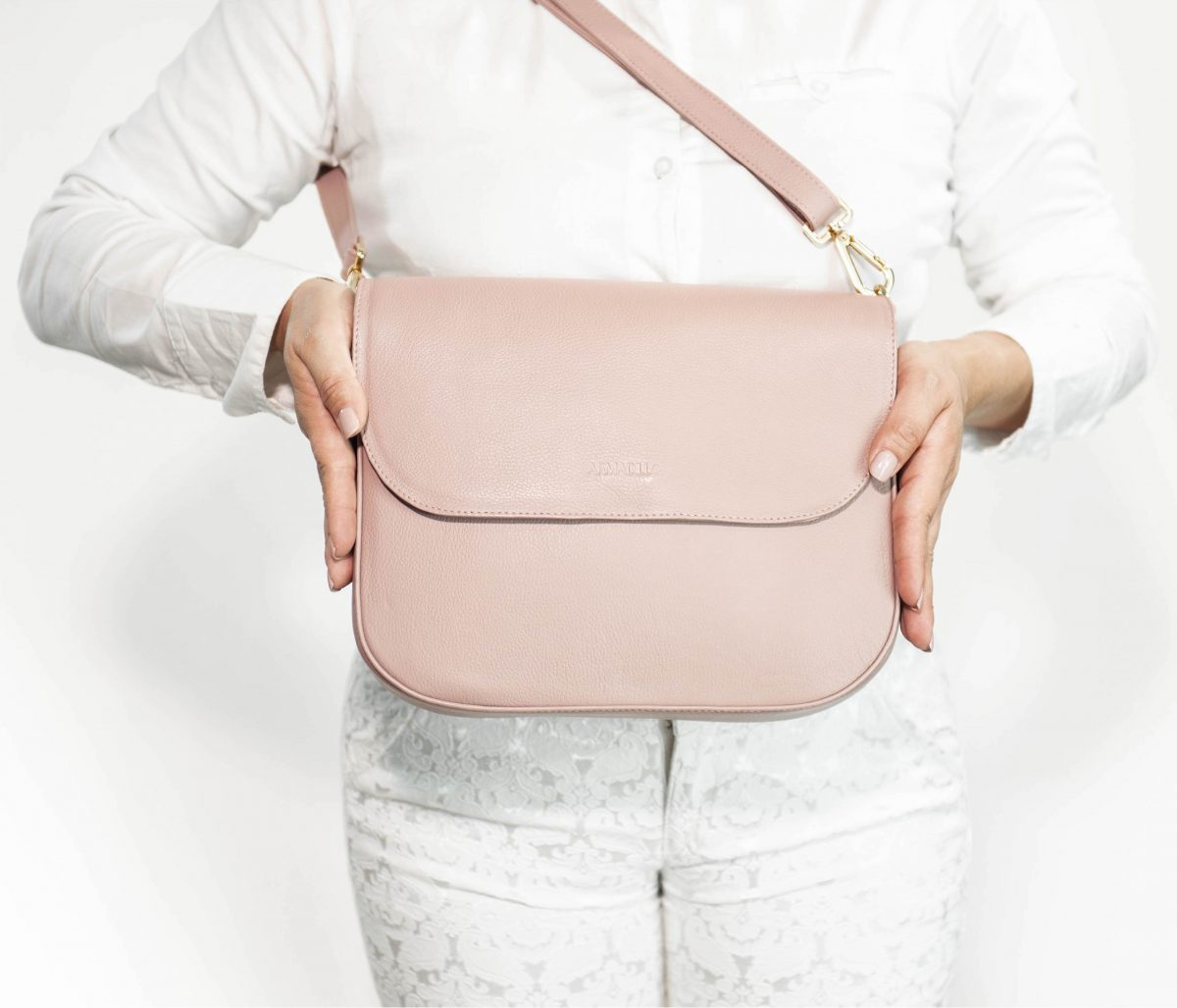 armadillo-leather-handbags-totes-wallets-clutches-backpack-small-leather-goods-accessories-office-travel-gifts-in-canada-crossbody-purse-pink-mauve-dusty-pink-rose