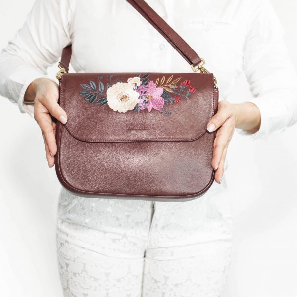 armadillo-leather-handbags-totes-wallets-clutches-backpack-small-leather-goods-accessories-office-travel-gifts-in-canada-nona-embroidery-flowers-burgundy-dark-red-cognac-wine