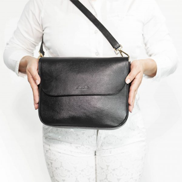 armadillo-leather-handbags-totes-wallets-clutches-backpack-small-leather-goods-accessories-office-travel-gifts-in-canada-nona-black-crossbody