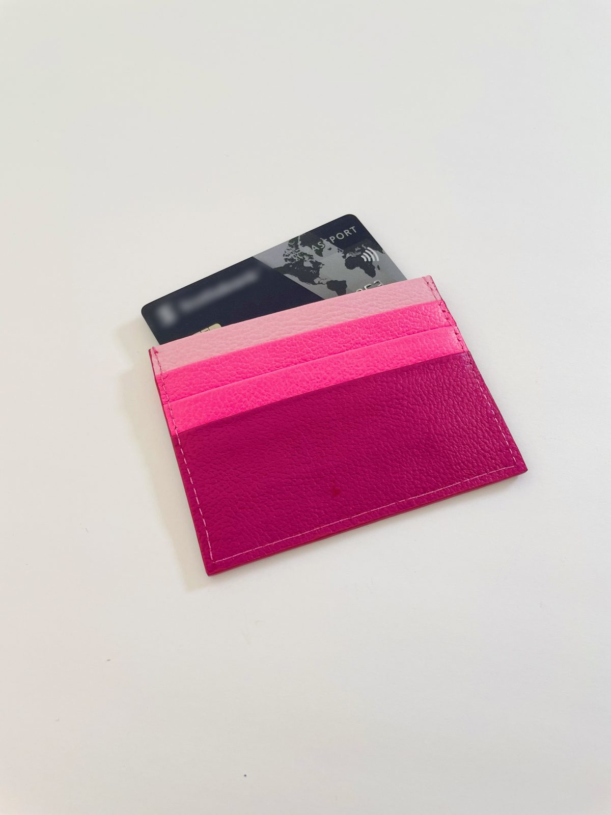 Leather_Card_holder_women_accessories_pink_03